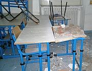 Un'immagine della scuola 'Tomassetti', sulla Cassia dopo il crollo del soffitto (Omniroma)