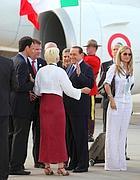 La foto in cui compare la Gagliardi con Berlusconi (Ansa)