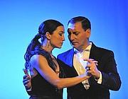 Daniela Demofonti e Eduardo Moyano: in scena ballano diversi tanghi