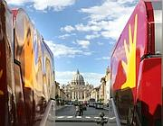 Due camion dell'Ama in San Pietro (foto Jpeg)