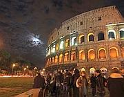 Il Colosseo illuminato per «far uscire le violenze dal buio» (Jpeg)