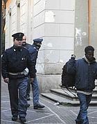 Lo sgombero dell'ambasciata dopo lo stupro (Proto)