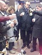 Il sindaco Alemanno e Aurigemma brindano coi ciclisti nella metropolitana