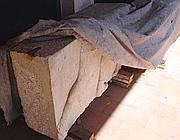 I bassorilievi nascosti sotto teloni nel sito di Lucus Feroniae