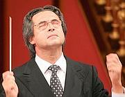 Riccardo Muti sul palco del Teatro dell'Opera (Ansa)