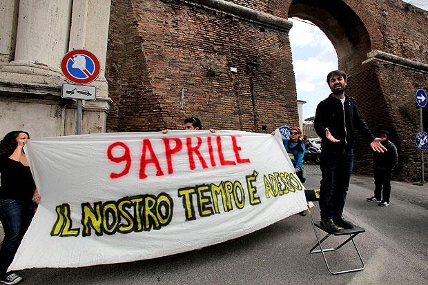 L 39 angolo del precario foto del giorno corriere roma - Porta portese offerte lavoro roma ...