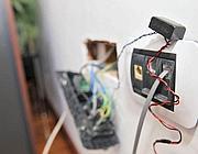La microspia ancora nella presa di corrente nell'ufficio della Polverini (Jpeg)