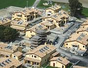 Veduta dall'alto delle case abusive (foto C. Forestale)