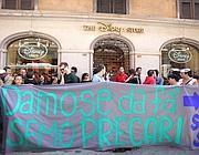 Davanti al Disney Store in via del Corso (Proto)