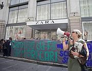 La protesta davanti a Zara in largo Chigi (Eidon)