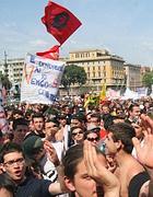 La folla in piazza San Giovanni a Roma per il concerto del 1° maggio (Jpeg)