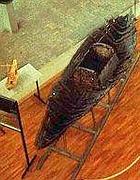 Modellino e piccola imbarcazione romana nel museo