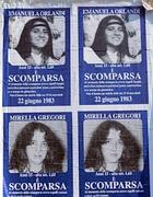 I manifesti con i volti di Emanuela Orlandi e Mirella Gregori (Milestone)