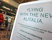 Una pubblicità della Nuova Alitalia (foto Marka)