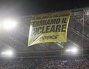 Lo striscione esposto durante Inter-Palermo da Greenpeace (Eidon)