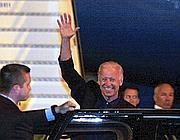L'arivo a Fiumicino del vicepresidente Usa Joe Biden (Ansa)