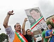 Tassisti con cartelli contro Alemanno (Jpeg)