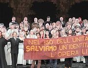Muti all'Opera di Roma la sera del «Nabucco» dello scorso marzo in cui guidò la protesta contro i tagli alla cultura
