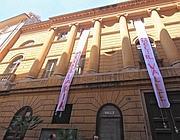 La facciata del teatro occupato (Jpeg)