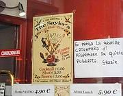 La vetrina del bar dove Bonanni ha passato la serata (Foto Jpeg)