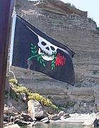 La bandiera del gozzo «Baccalà» a Ventotene