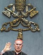 Il cardinal Bertone ha presentato «Lux in Arcana» (Jpeg)