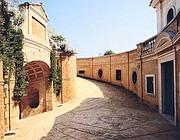L'ingresso dalla litoranea della Villa Volpi, splendida dimora messa in vendita da Christie's