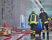 Vigili del fuoco al lavoro (Eidon)