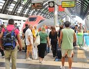 Passeggeri alla Centrale di Milano (Eidon)
