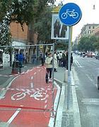 Una delle nuove ciclabili realizzate a Roma (Jpeg)