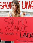 Una studentessa davanti al ministero della Pubblica istruzione (Jpeg)