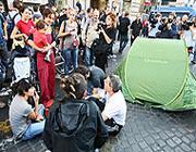Le tende degli indignati a Palazzo Koch (Ansa)