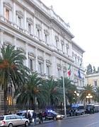 I blindati dei carabinieri all'alba di giovedì davanti a Bankitalia (Zanini)