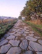 Un tratto della Via Francigena con l'antico basolato a Montefiascone