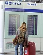 I monitor con i voli al Terminal 3 di Fiumicino (Ansa)