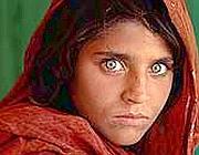 La foto della ragazza afghana, Sharbat Gula, che ha vinto il World Press Photo nel 1985
