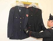 Trovate anche uniformi di polizia e carabinieri (Proto)