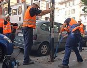 Rimozione di un cartellone in via Chiana (Eidon)
