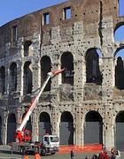 Colosseo: una gru per verifiche sulla stabilità (Eidon)