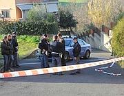 Agenti sul luogo dell'ultimo omicidio  a Roma avvenuto in zona Pisana (Proto)