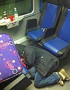 Tivoli, un ragazzo accucciato a dormire nel treno 3378 (Ansa)