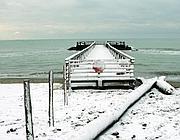 Neve e gelo anche sul litorale a Ostia (Faraglia)