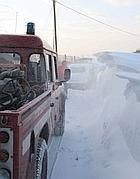Squadre di soccorso nella neve alta vicino a Viterbo (Milestone)