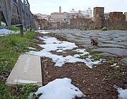 Neve ai lati della via Sacra ripulita dal ghiaccio