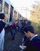 11 maggio, treno fermo: un ragazzo fotografa il guasto sulla Roma-Lido