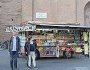 Un altro camion bar nella piazza del Colosseo (Jpeg)