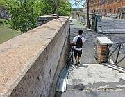 Scale su una pista ciclabile romana (Jpeg)