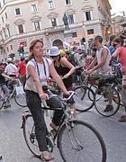 Ciclisti in centro a Roma (Jpeg)