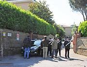 L'ingresso dei condomini dove è avvenuto l'omicidio (Proto)
