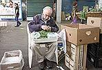 Addio mercato storico - Ultimo giorno di apertura per lo storico mercato di Testaccio, nella piazza omonima. I venditori si trasferiscono nella nuova struttura chiusa adiacente il Macro (foto Eidon)
